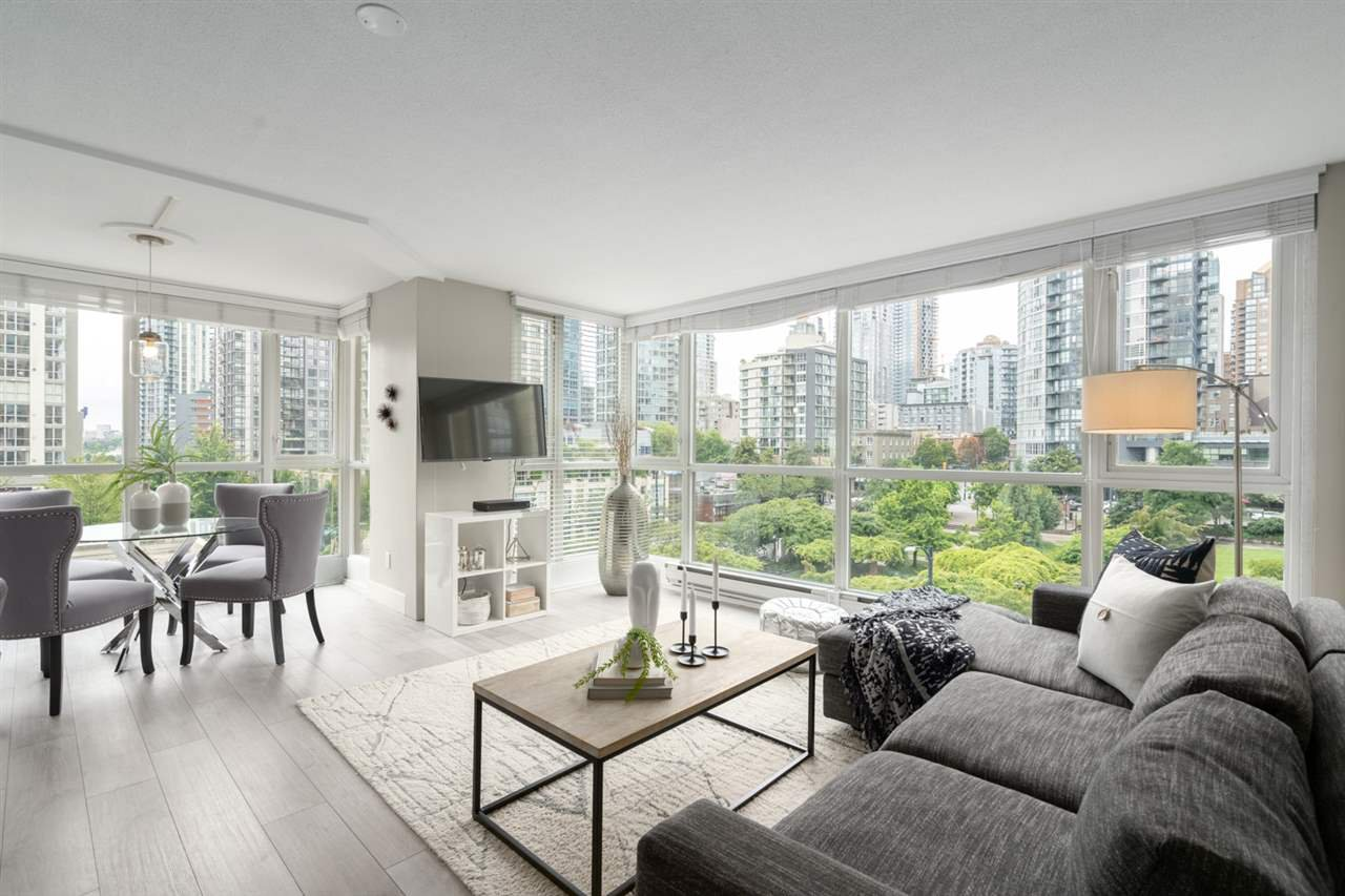 "Main Photo: 409 1188 RICHARDS Street in Vancouver: Yaletown Condo for sale in ""Park Plaza"" (Vancouver West)  : MLS®# R2475181"