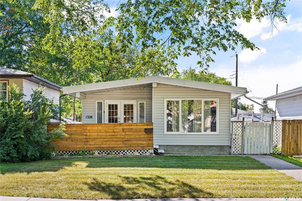 Main Photo: 1328 Forget Street in Regina: Rosemont Residential for sale : MLS®# SK828531