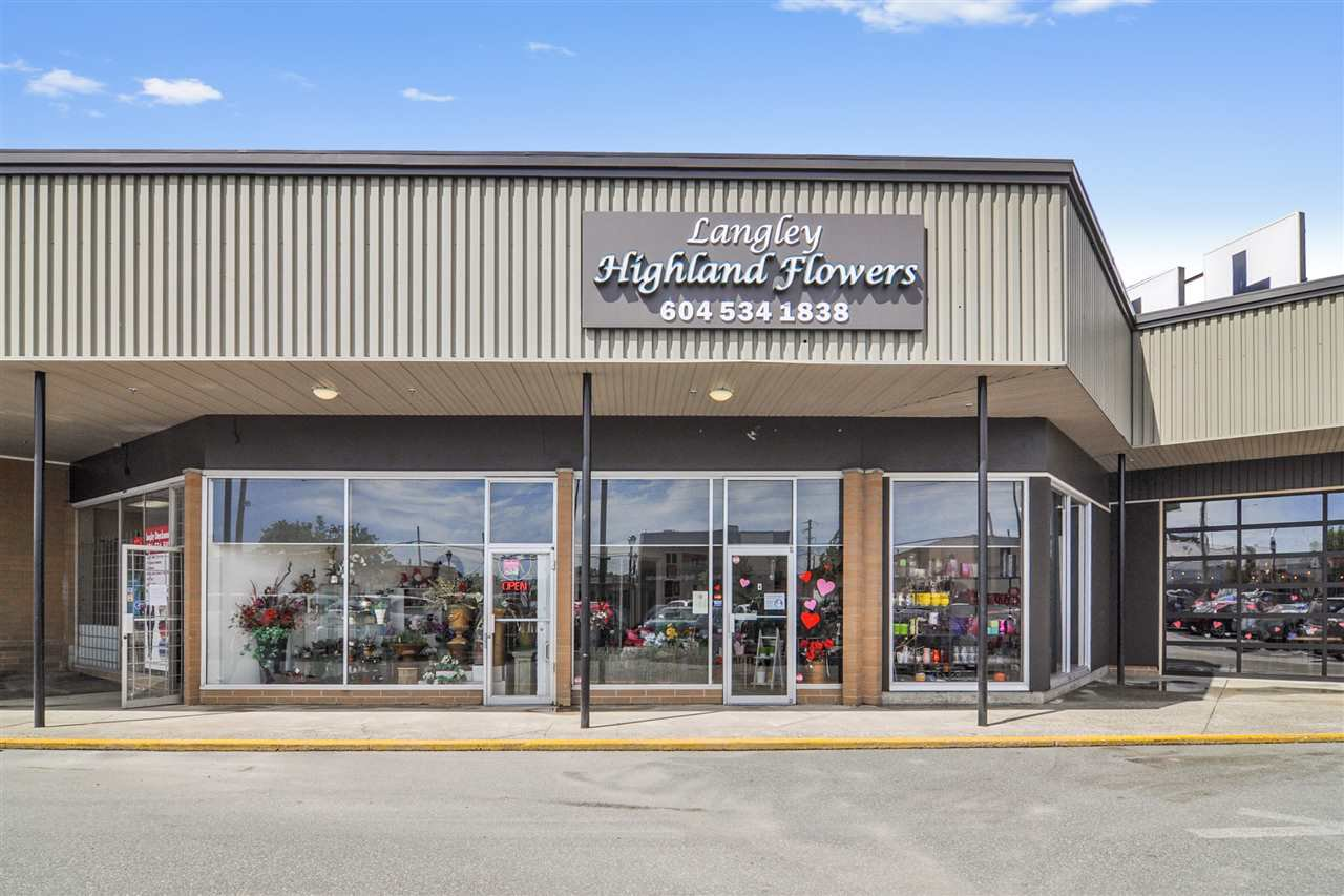 Main Photo: 4 20555 56 Avenue in Langley: Langley City Business for sale : MLS®# C8035536