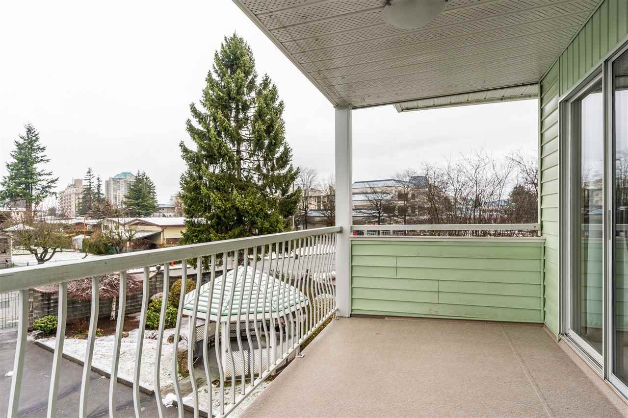 """Main Photo: 205 31850 UNION Avenue in Abbotsford: Abbotsford West Condo for sale in """"Fernwood Manor"""" : MLS®# R2430792"""
