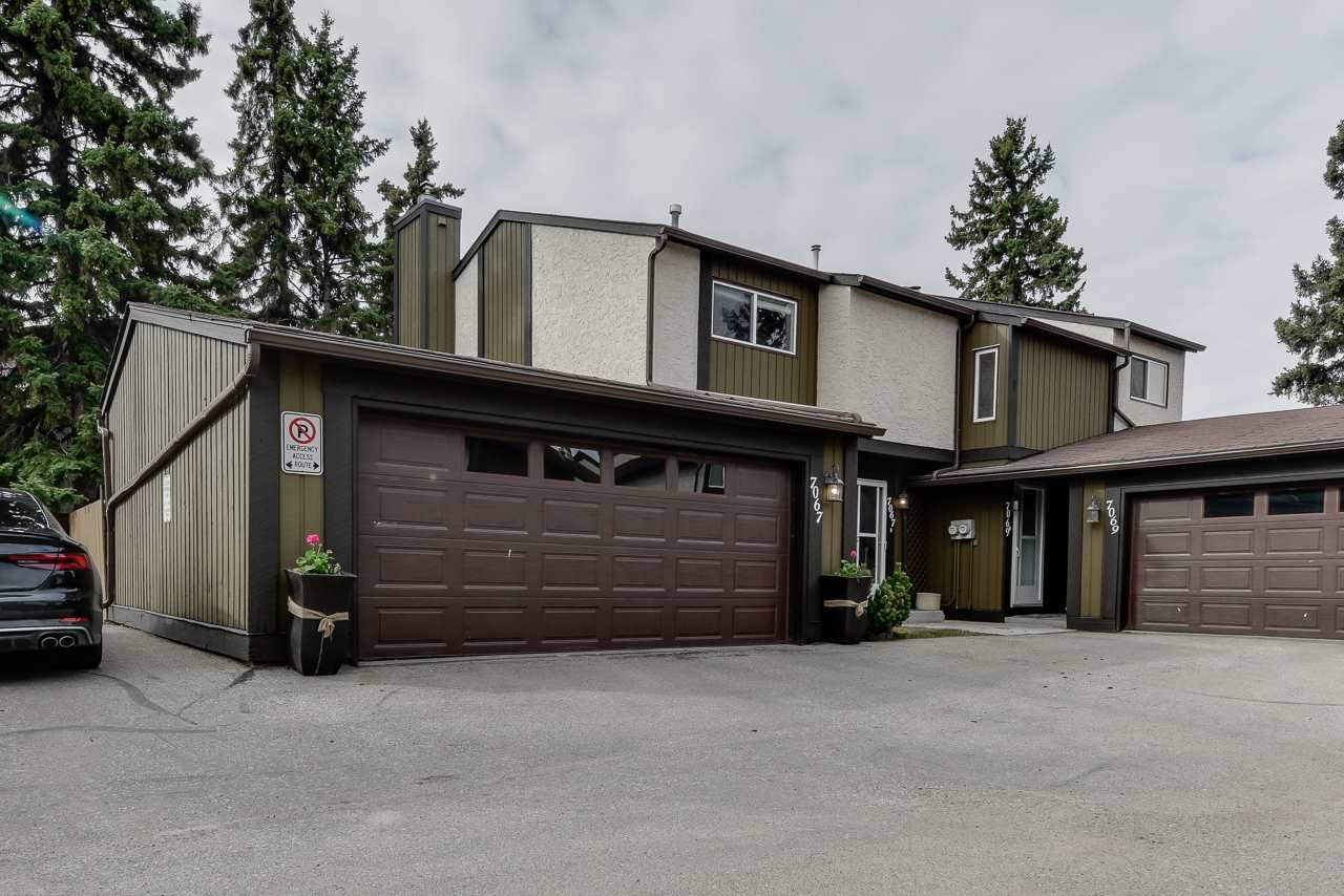 Main Photo: 7067 32 Avenue in Edmonton: Zone 29 Townhouse for sale : MLS®# E4197433