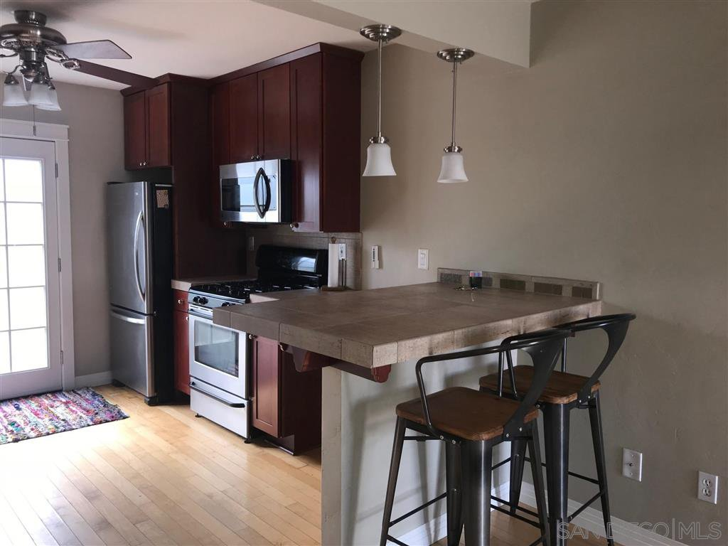 Main Photo: KENSINGTON Condo for rent : 2 bedrooms : 4680 Edgeware Rd in San Diego