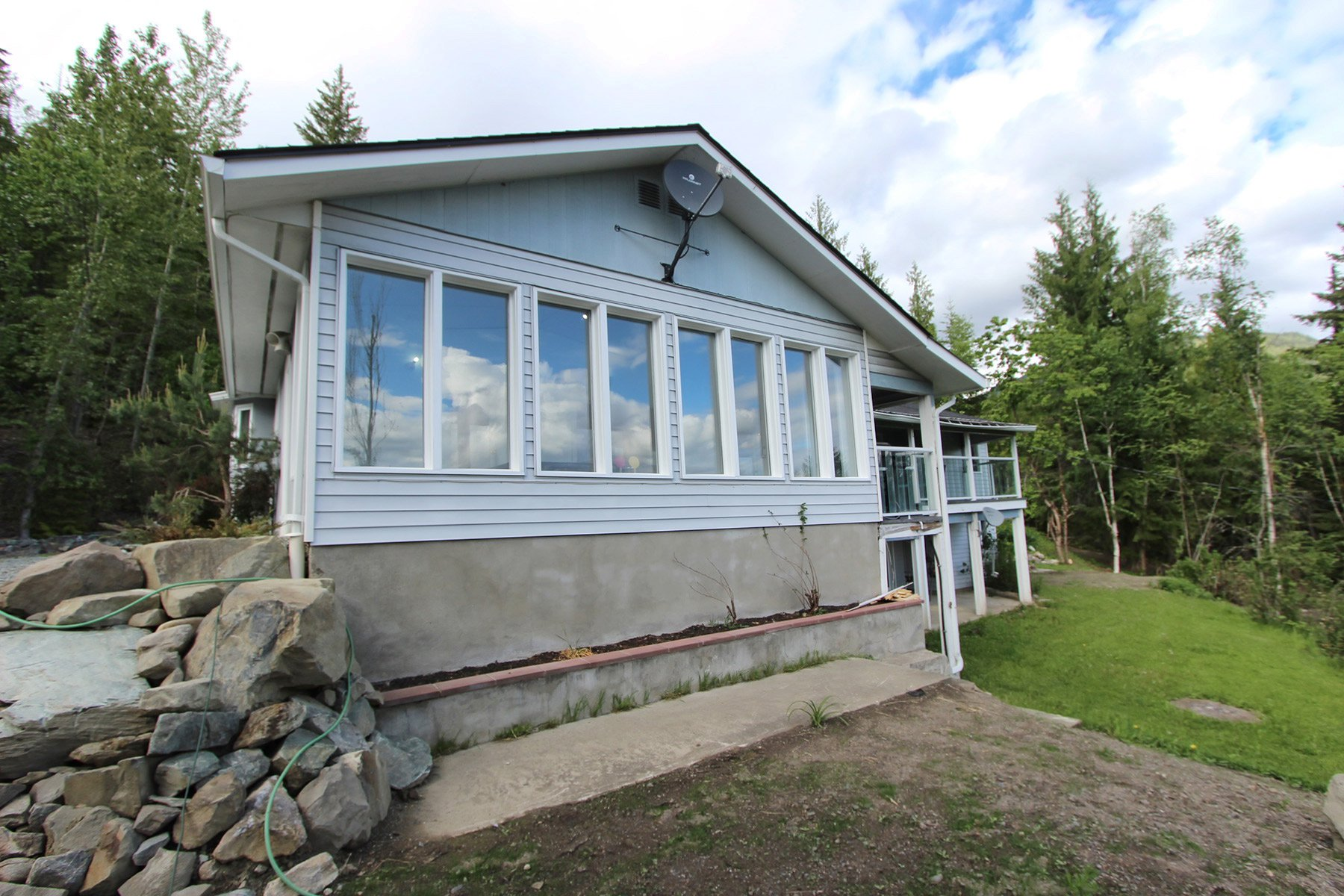 Photo 11: Photos: 6831 Magna Bay Drive in Magna Bay: House with Acreage for sale : MLS®# 10205520