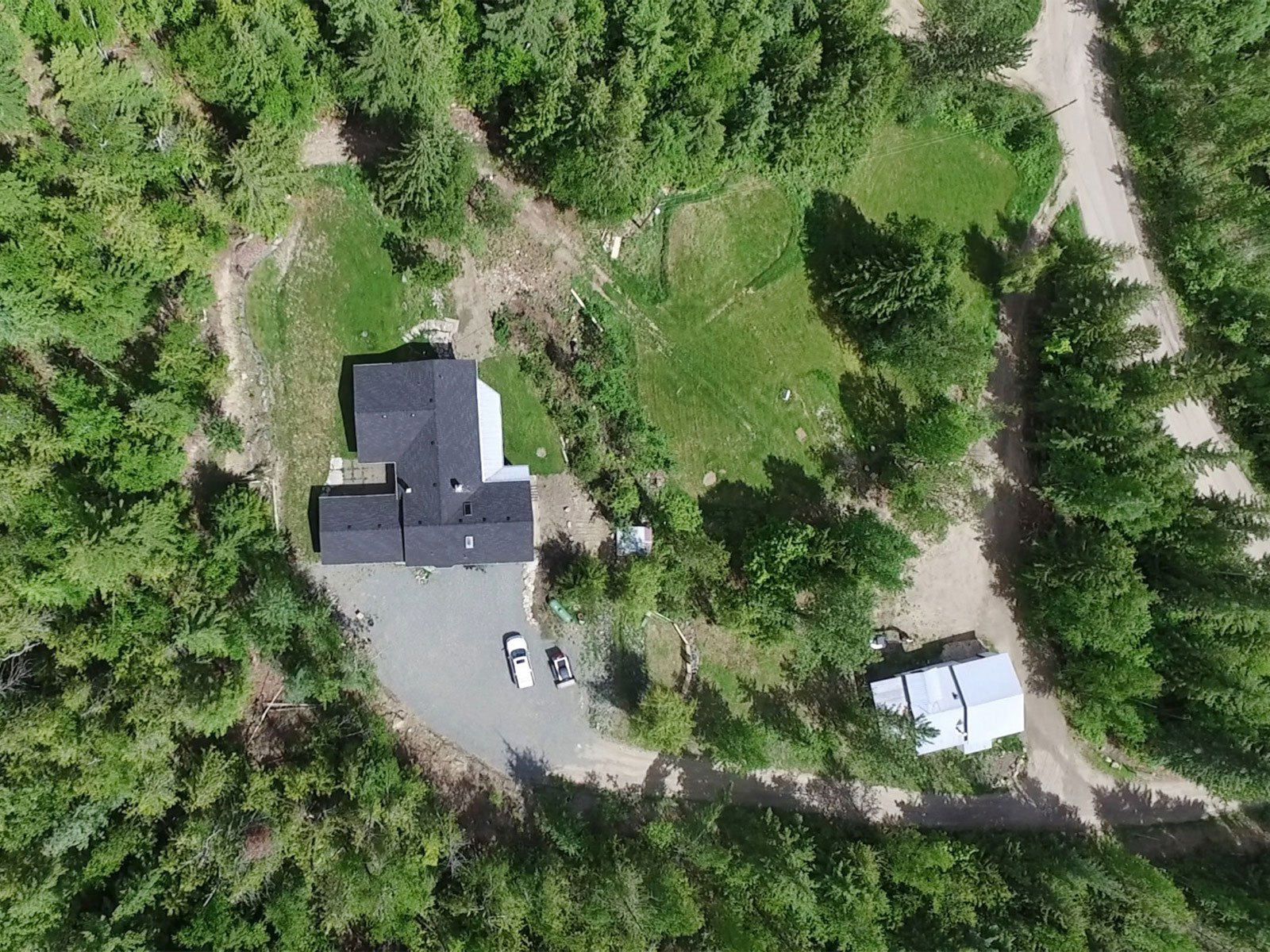 Photo 3: Photos: 6831 Magna Bay Drive in Magna Bay: House with Acreage for sale : MLS®# 10205520