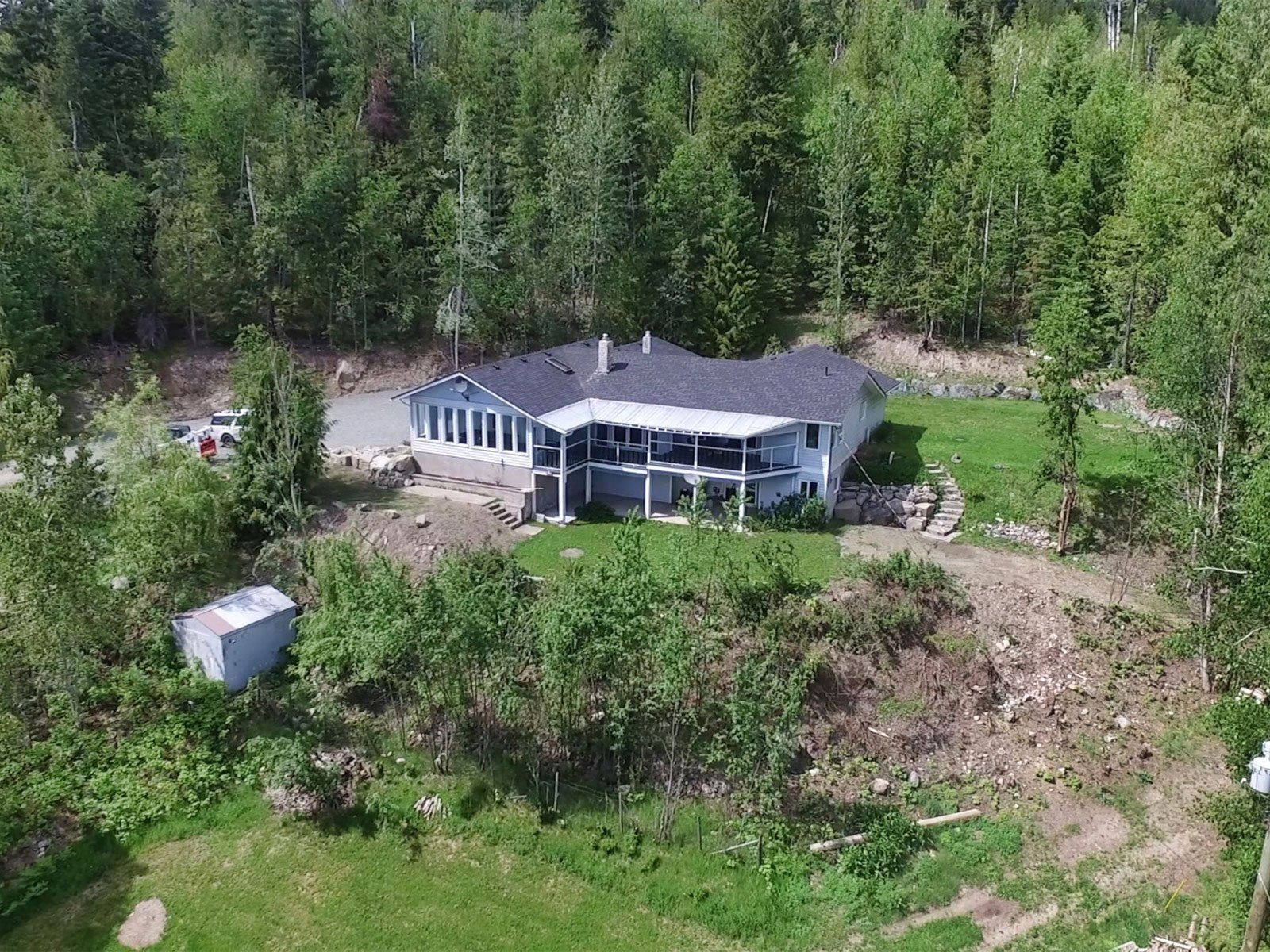 Photo 4: Photos: 6831 Magna Bay Drive in Magna Bay: House with Acreage for sale : MLS®# 10205520