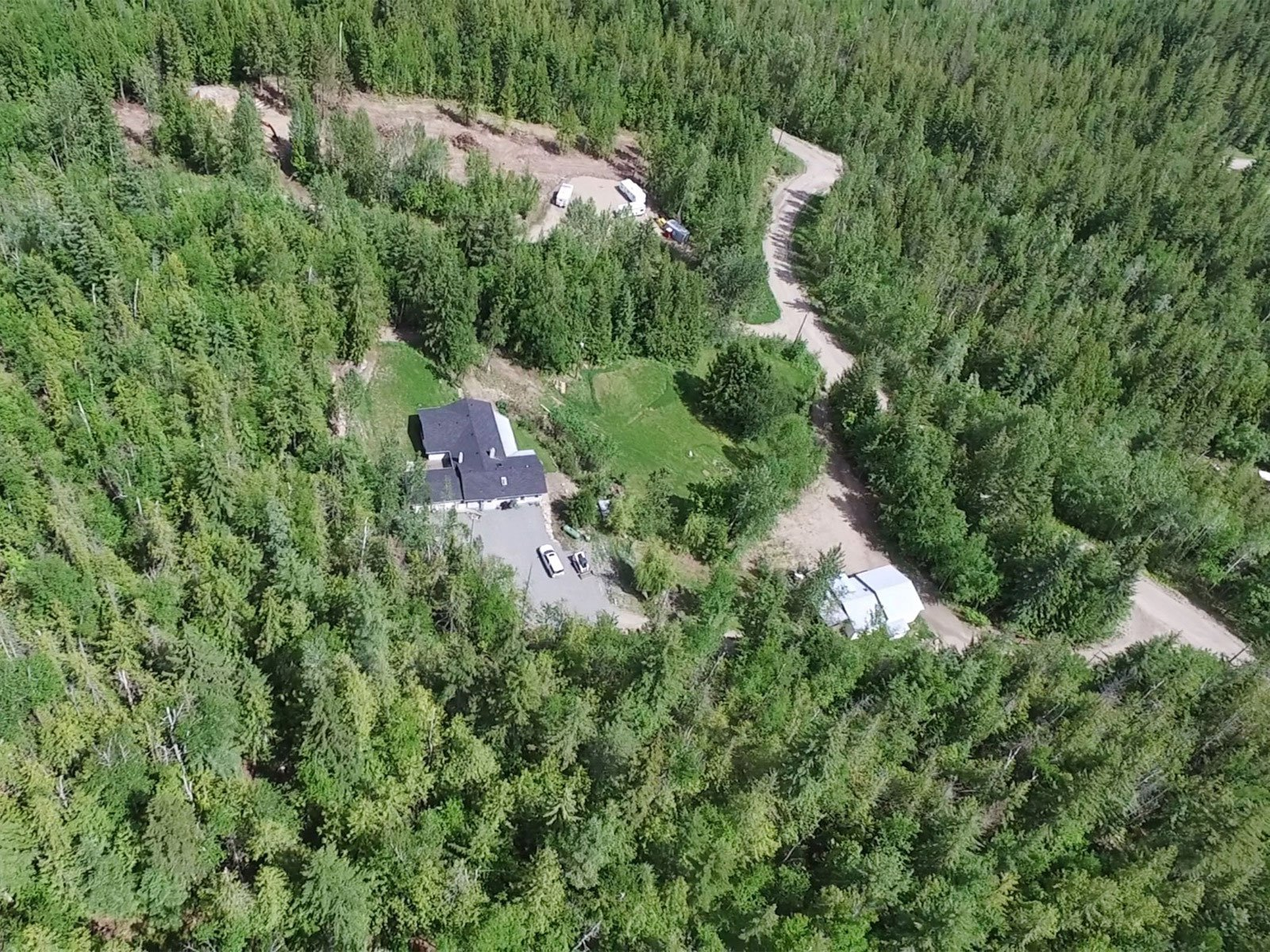 Photo 2: Photos: 6831 Magna Bay Drive in Magna Bay: House with Acreage for sale : MLS®# 10205520