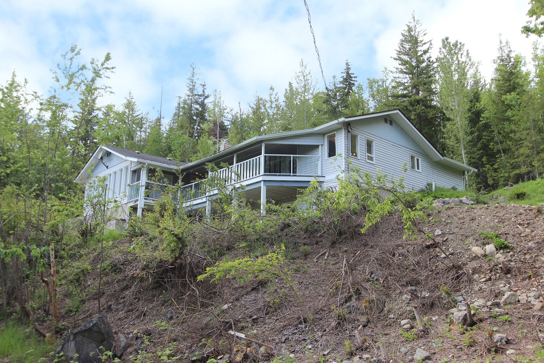 Photo 12: Photos: 6831 Magna Bay Drive in Magna Bay: House with Acreage for sale : MLS®# 10205520