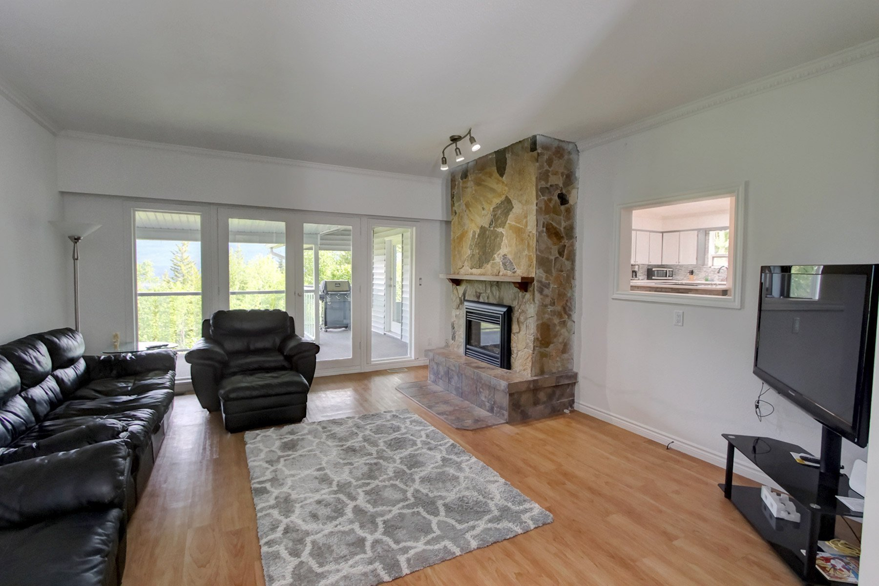 Photo 21: Photos: 6831 Magna Bay Drive in Magna Bay: House with Acreage for sale : MLS®# 10205520