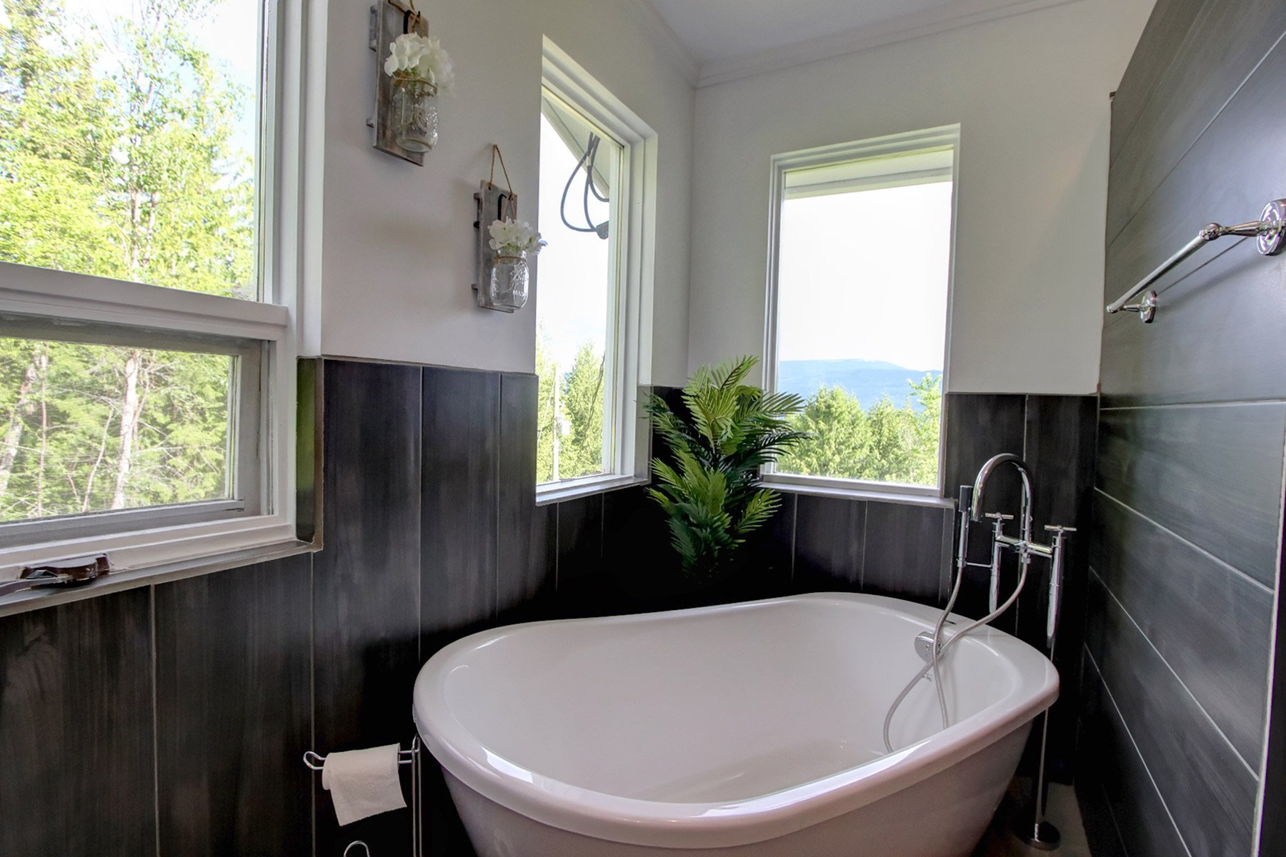 Photo 28: Photos: 6831 Magna Bay Drive in Magna Bay: House with Acreage for sale : MLS®# 10205520