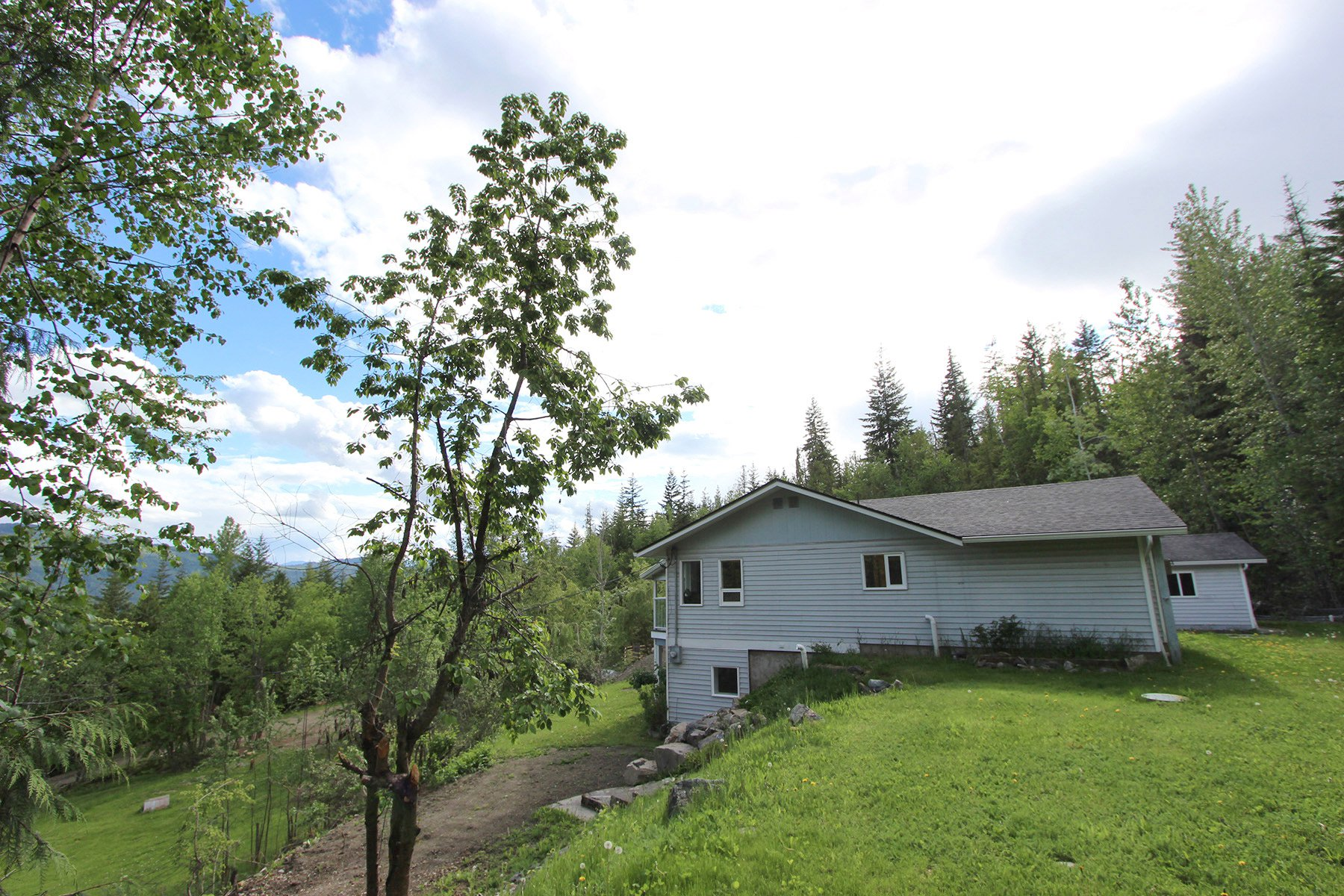 Photo 10: Photos: 6831 Magna Bay Drive in Magna Bay: House with Acreage for sale : MLS®# 10205520