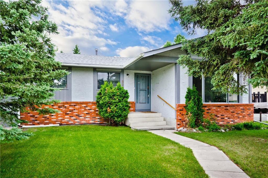 Main Photo: 3203 108 Avenue SW in Calgary: Cedarbrae Detached for sale : MLS®# C4305653