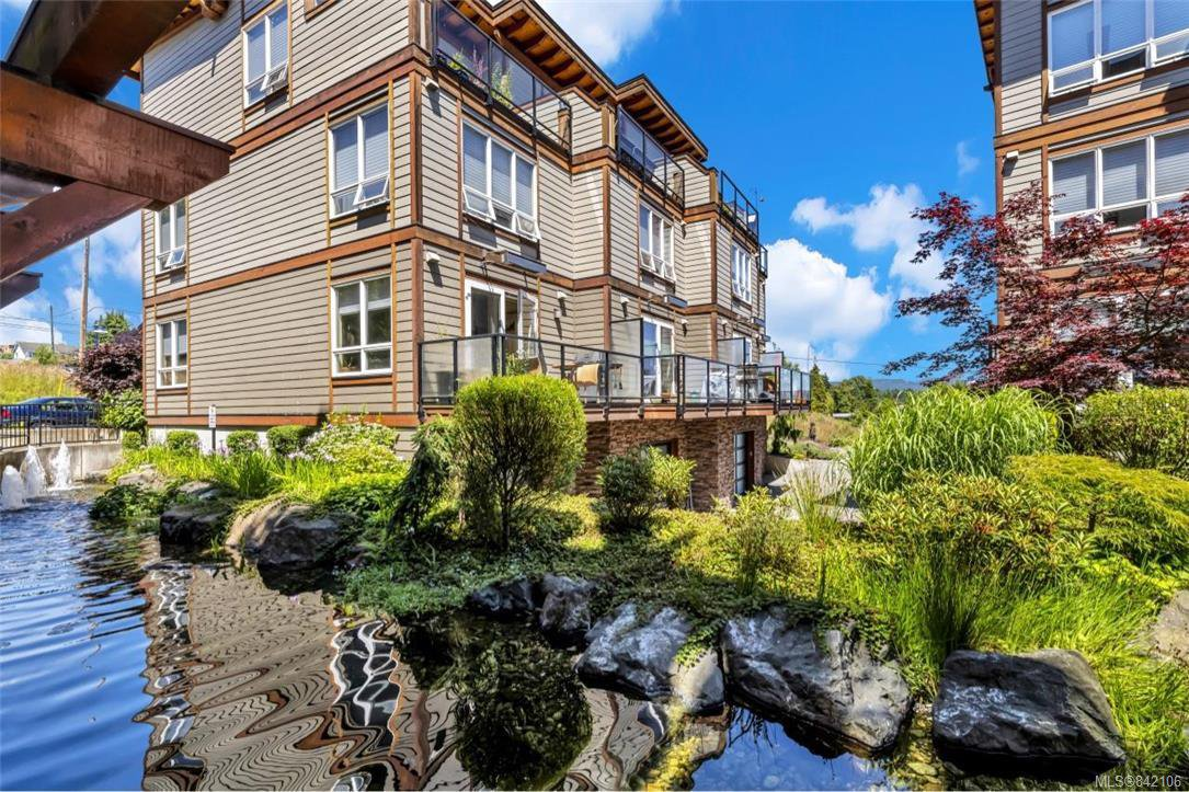 Main Photo: 104 6591 Lincroft Rd in Sooke: Sk Sooke Vill Core Condo Apartment for sale : MLS®# 842106