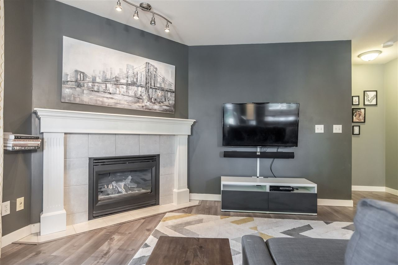 Photo 3: Photos: 110 33728 KING Road in Abbotsford: Poplar Condo for sale : MLS®# R2491004