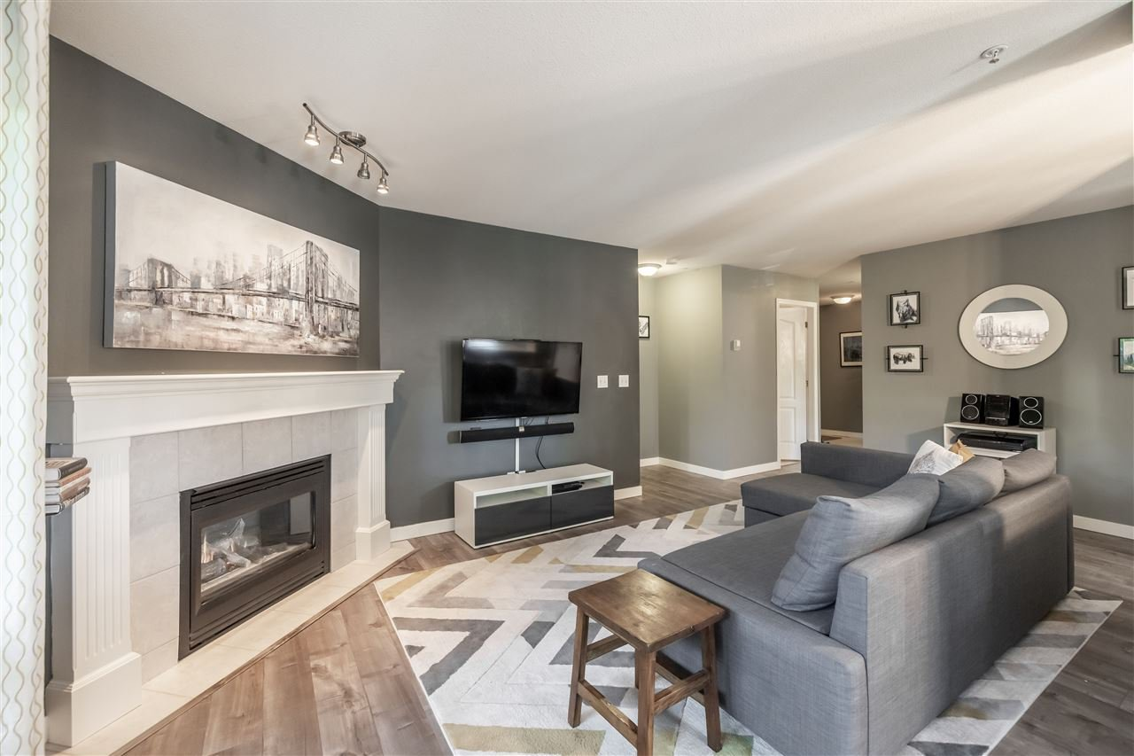 Photo 4: Photos: 110 33728 KING Road in Abbotsford: Poplar Condo for sale : MLS®# R2491004
