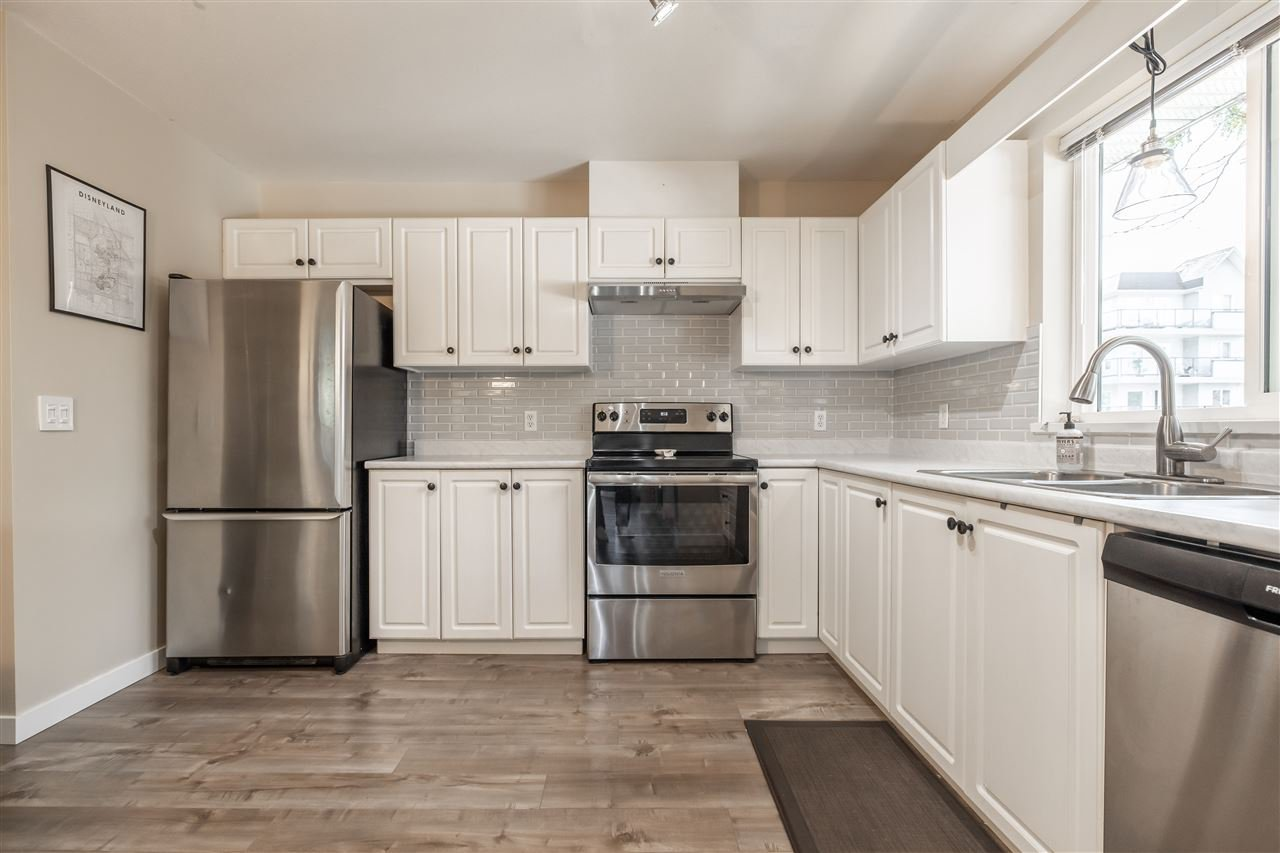Photo 12: Photos: 110 33728 KING Road in Abbotsford: Poplar Condo for sale : MLS®# R2491004