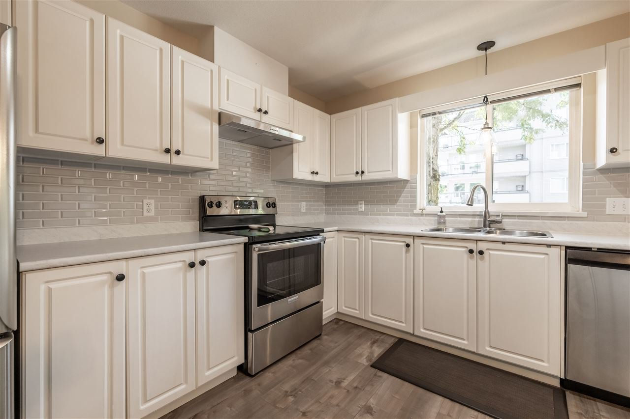 Photo 15: Photos: 110 33728 KING Road in Abbotsford: Poplar Condo for sale : MLS®# R2491004