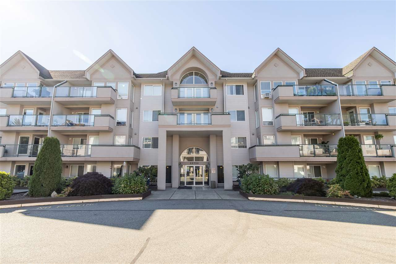 Photo 36: Photos: 110 33728 KING Road in Abbotsford: Poplar Condo for sale : MLS®# R2491004