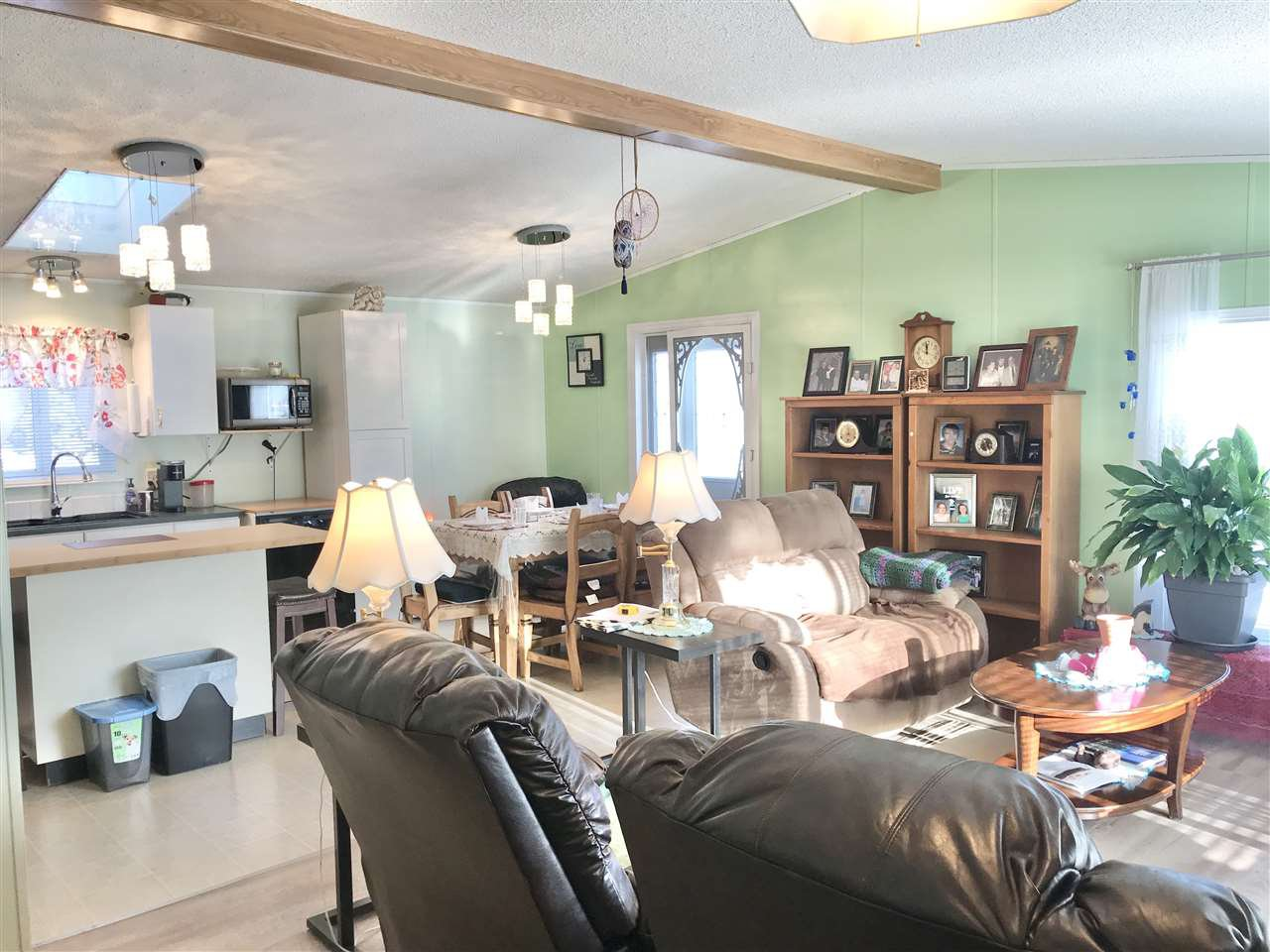 Photo 4: Photos: 4881 RANDLE Road in Prince George: Hart Highway Manufactured Home for sale (PG City North (Zone 73))  : MLS®# R2422011