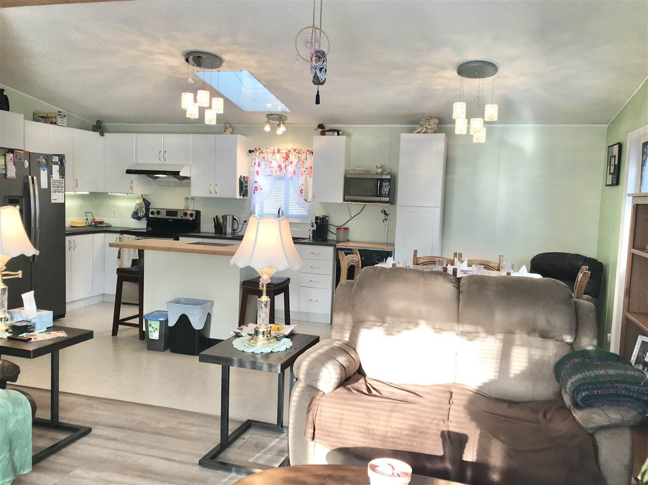 Photo 3: Photos: 4881 RANDLE Road in Prince George: Hart Highway Manufactured Home for sale (PG City North (Zone 73))  : MLS®# R2422011