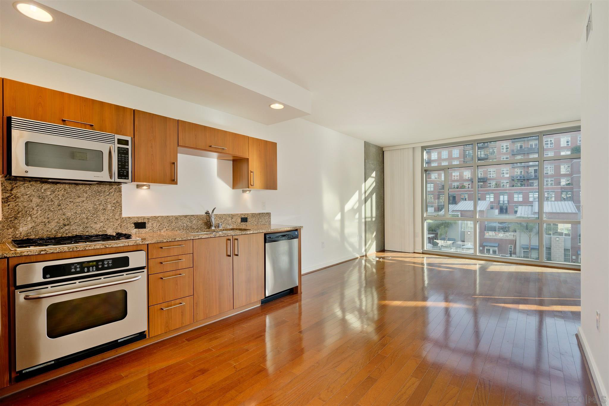 Main Photo: DOWNTOWN Condo for rent : 1 bedrooms : 800 The Mark Ln #309 in San Diego