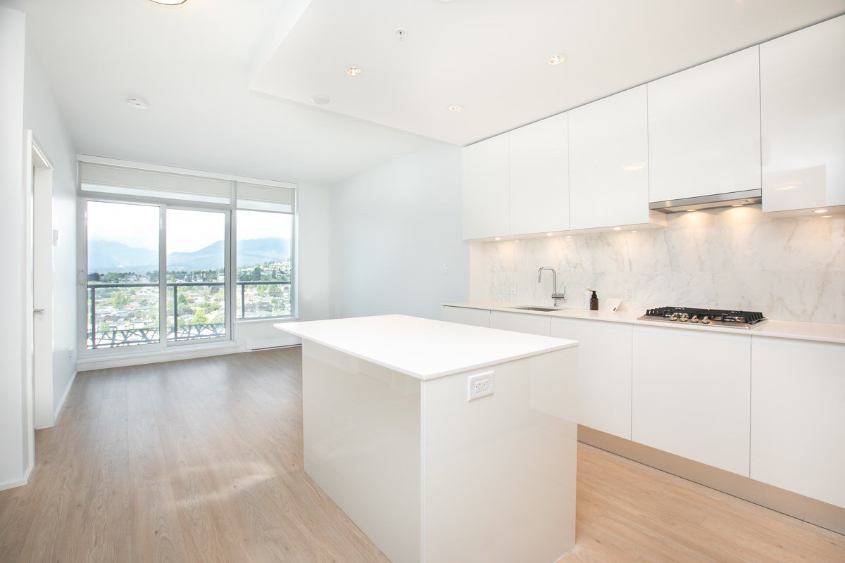 Main Photo: 1611 1955 ALPHA WAY in Burnaby: Brentwood Park Condo for sale (Burnaby North)  : MLS®# R2487116