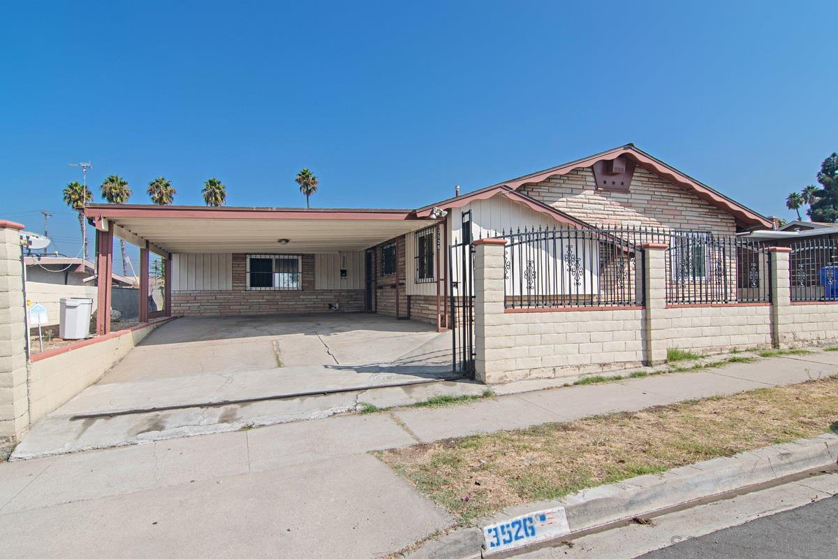 Main Photo: SAN DIEGO House for sale : 4 bedrooms : 3526 Palm Avenue