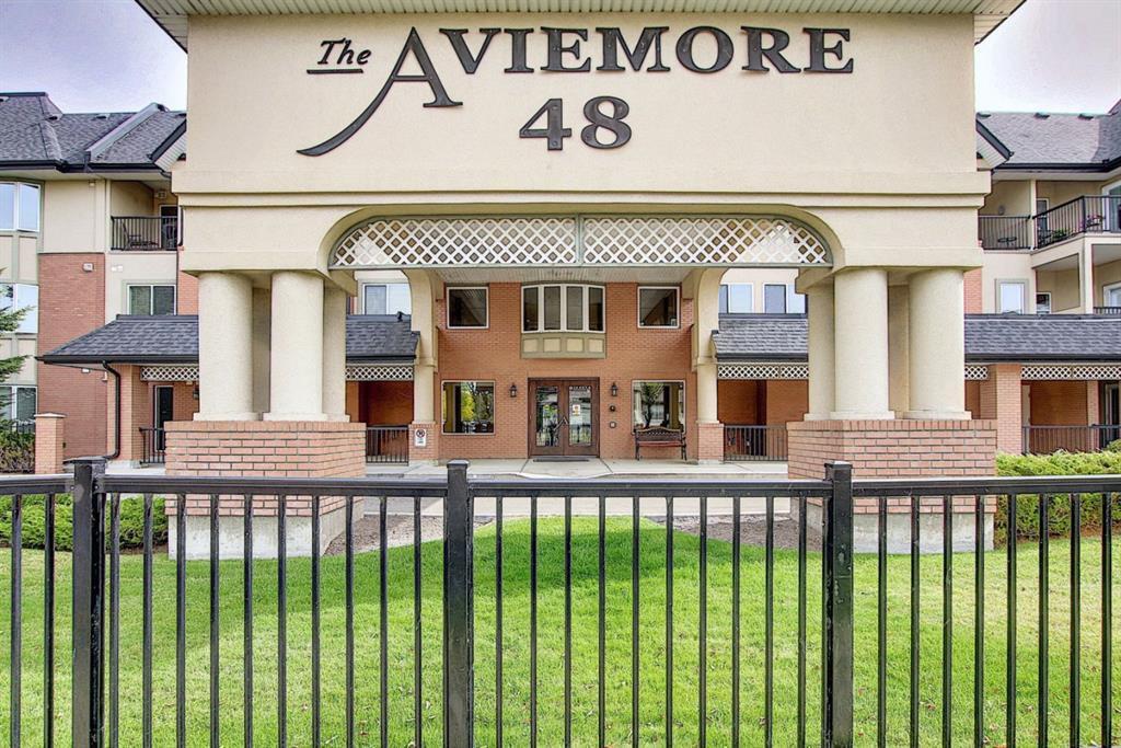 Main Photo: 1318 48 INVERNESS Gate SE in Calgary: McKenzie Towne Apartment for sale : MLS®# A1036306