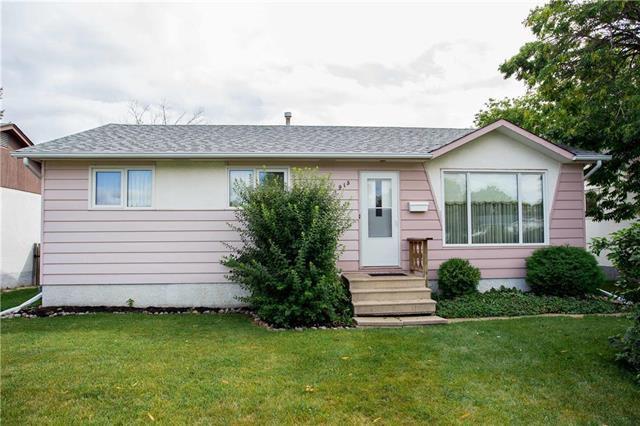 Main Photo: 913 Buchanan Boulevard in Winnipeg: Crestview Residential for sale (5H)  : MLS®# 1924082