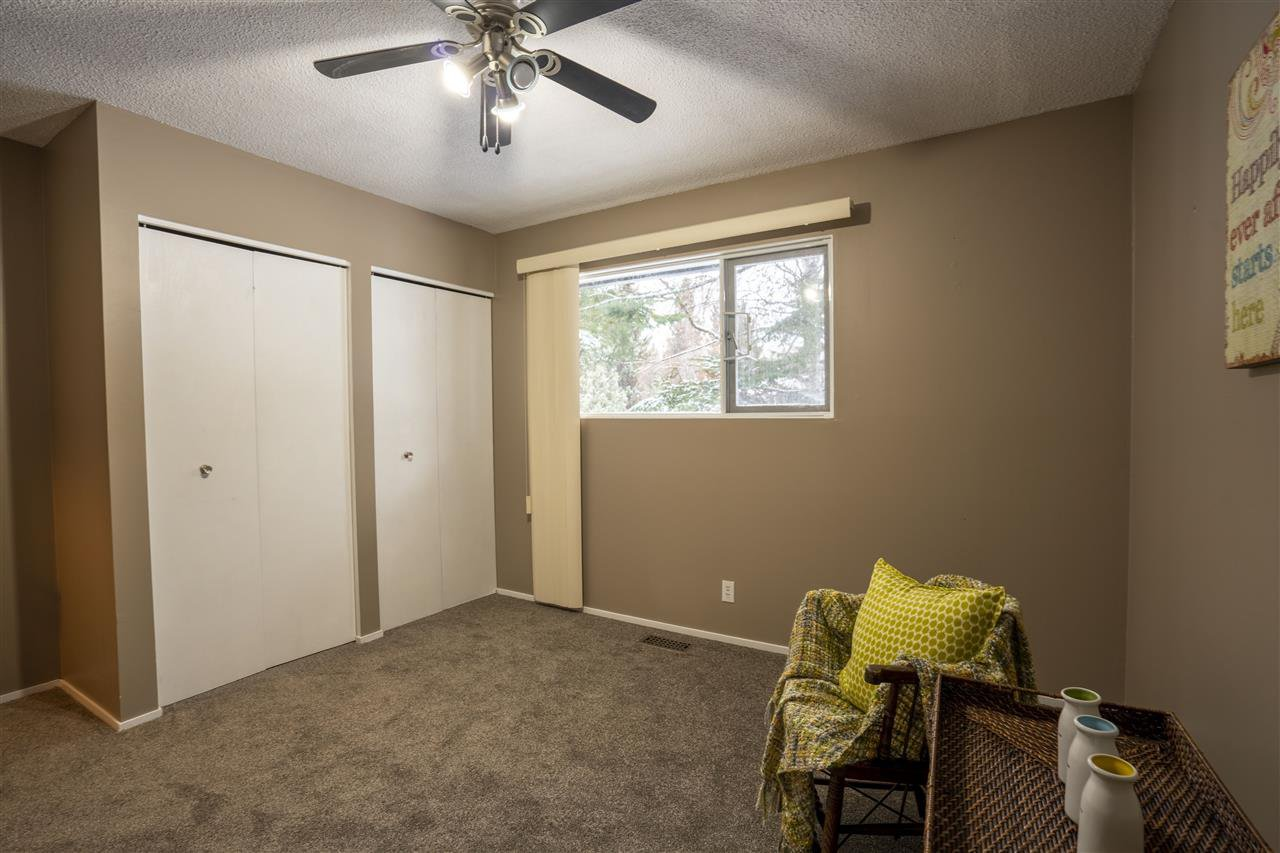"""Photo 14: Photos: 7827 QUEENS Crescent in Prince George: Lower College House for sale in """"LOWER COLLEGE HEIGHTS"""" (PG City South (Zone 74))  : MLS®# R2422885"""