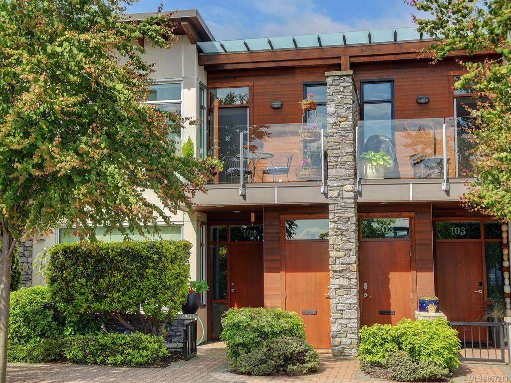 Main Photo: 202 9820 Seaport Pl in : Si Sidney North-East Row/Townhouse for sale (Sidney)  : MLS®# 857213