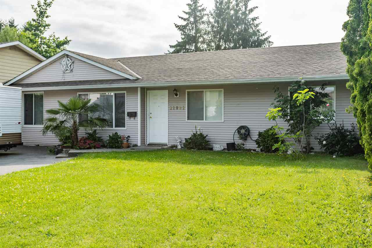 Main Photo: 11861 GEE Street in Maple Ridge: East Central House for sale : MLS®# R2407080