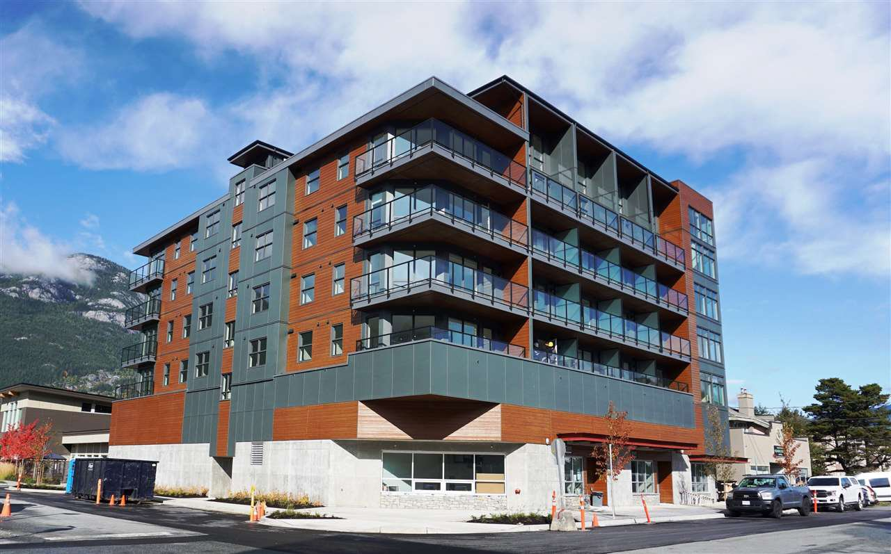 "Main Photo: 504 38013 THIRD Avenue in Squamish: Downtown SQ Condo for sale in ""THE LAUREN"" : MLS®# R2415912"
