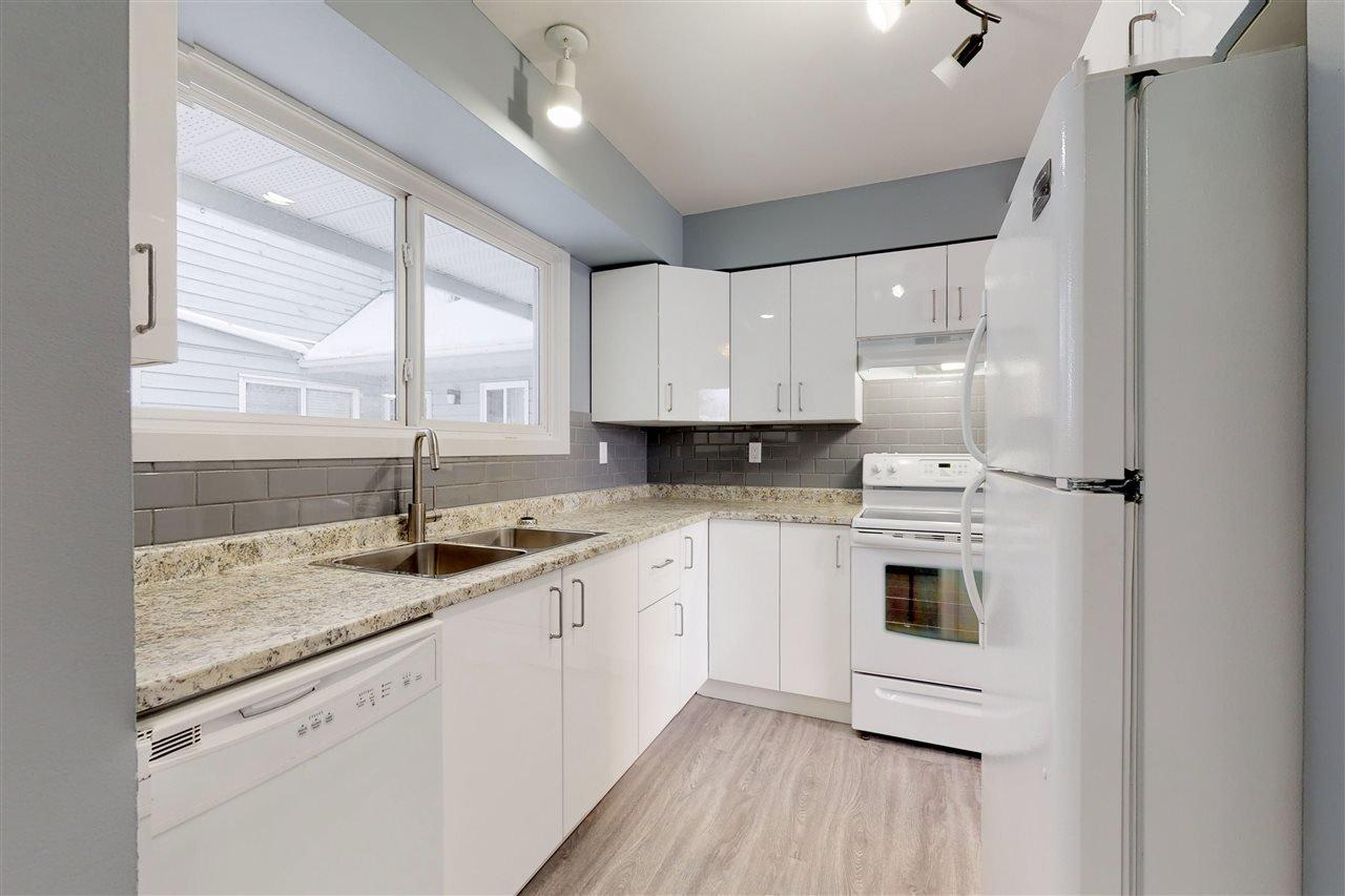 Main Photo: 3534 42 Street in Edmonton: Zone 29 Townhouse for sale : MLS®# E4182362