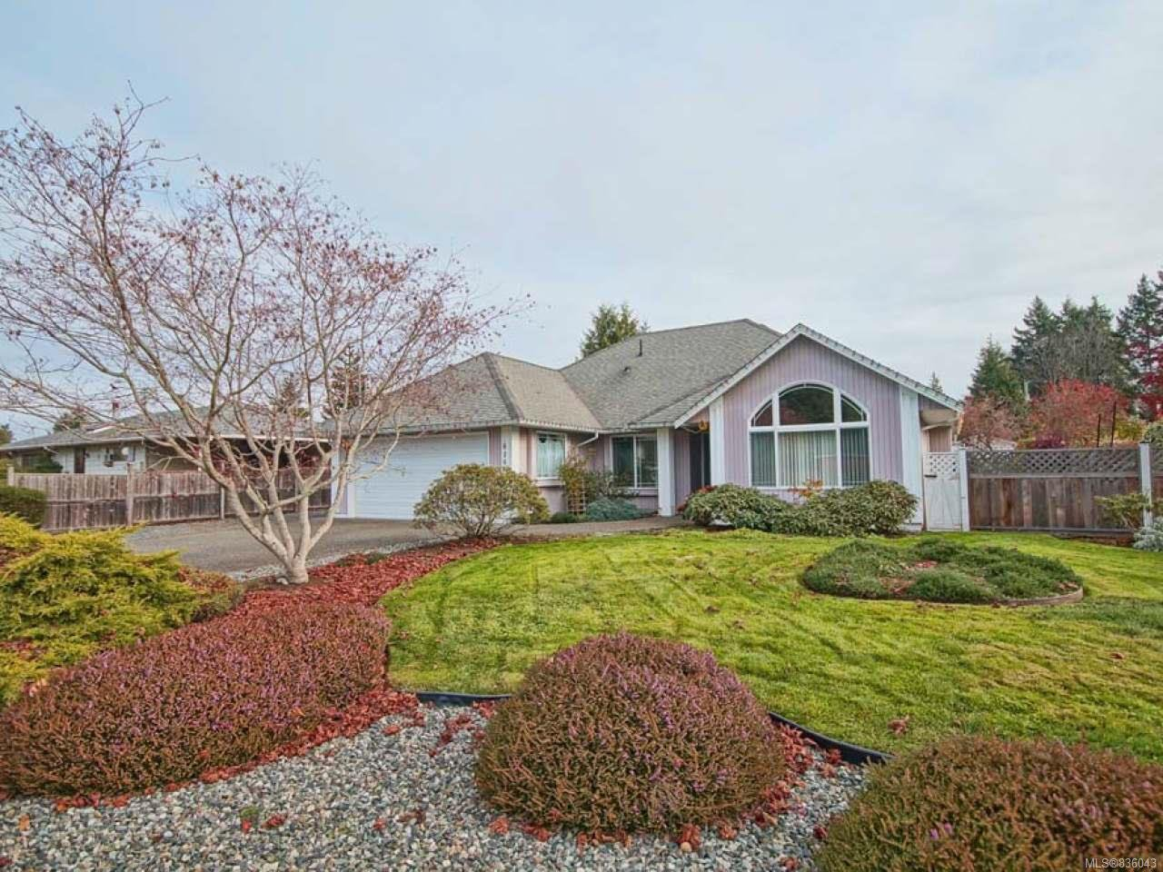 Main Photo: 819 PATRICK DRIVE in FRENCH CREEK: PQ French Creek Single Family Detached for sale (Parksville/Qualicum)  : MLS®# 836043