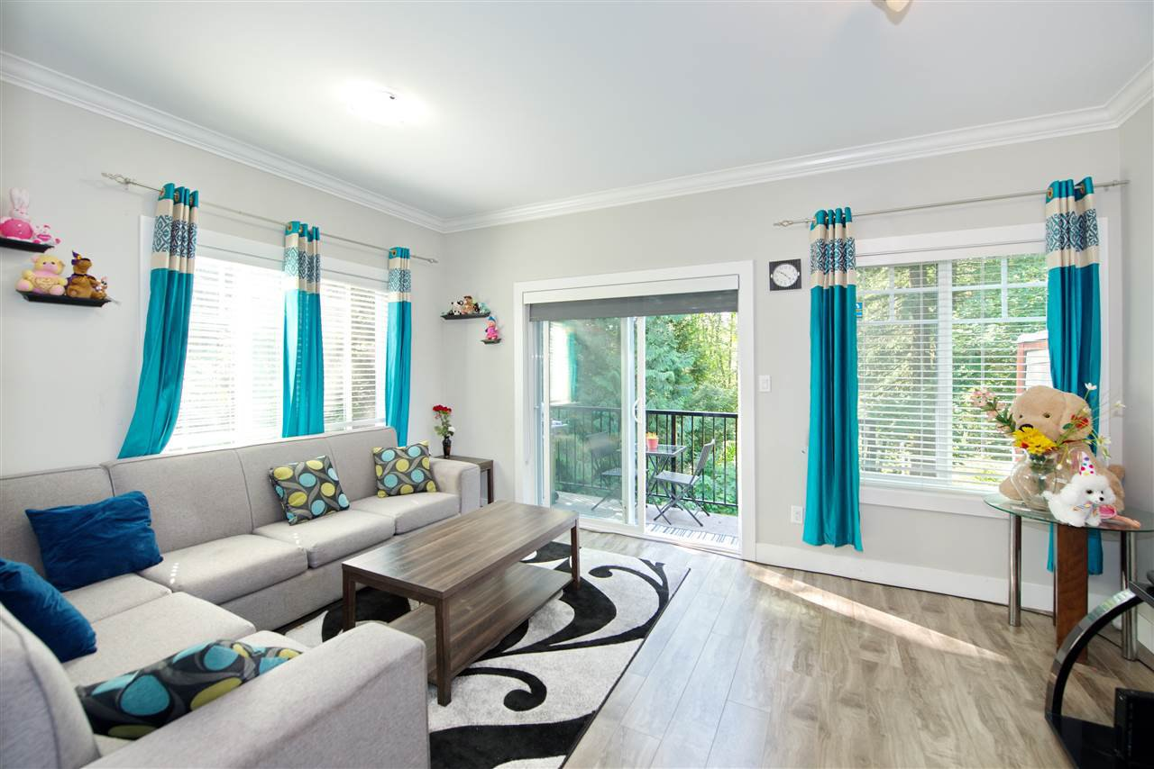 Main Photo: 9 6388 140 Street in Surrey: Sullivan Station Townhouse for sale : MLS®# R2392927
