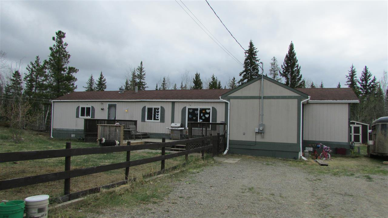 "Main Photo: 9003 TAYLOR Avenue: Hudsons Hope Manufactured Home for sale in ""JAMIESON SUBDIVISION"" (Fort St. John (Zone 60))  : MLS®# R2456182"