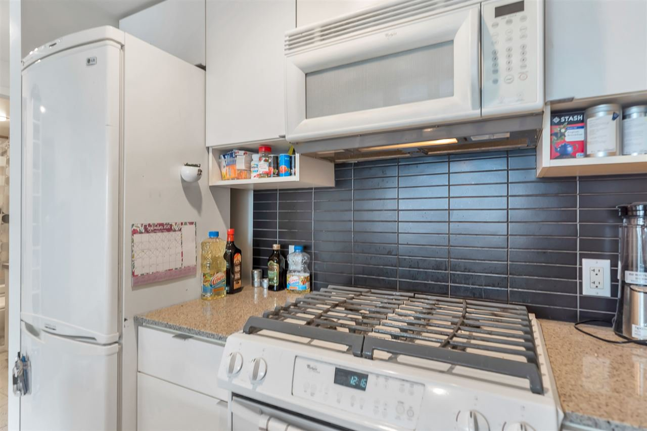Main Photo: 1003 928 BEATTY STREET in Vancouver: Yaletown Condo for sale (Vancouver West)  : MLS®# R2512393