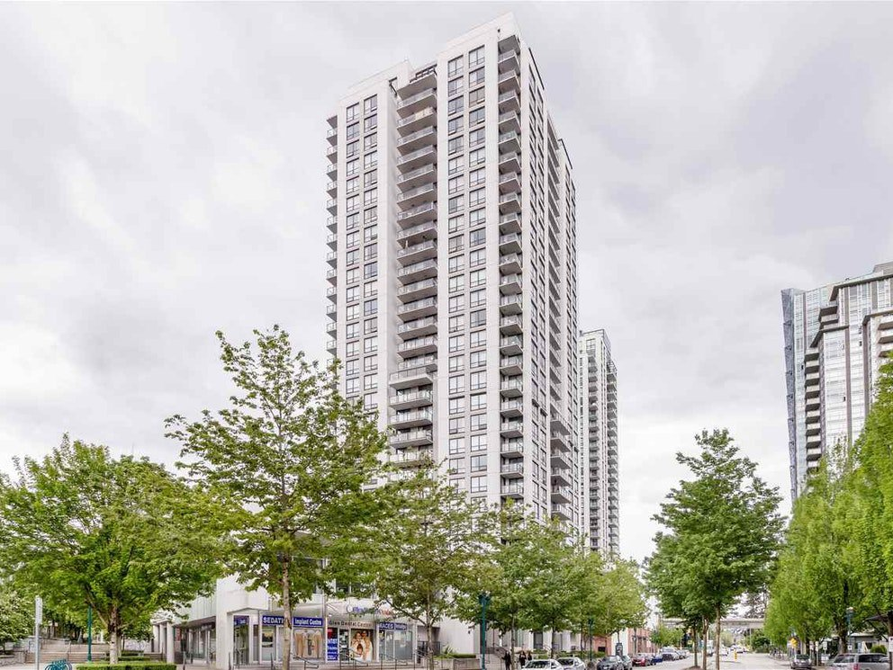 Main Photo: 703-2979 Glen Drive in Coquitlam: North Coquitlam Condo for sale : MLS®# R2455650