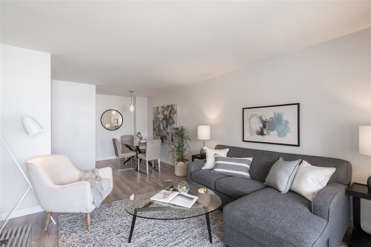 "Main Photo: 312 2040 CORNWALL Avenue in Vancouver: Kitsilano Condo for sale in ""Bryanston Court"" (Vancouver West)  : MLS®# R2466896"