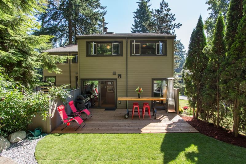 """Main Photo: 967 HERITAGE Boulevard in North Vancouver: Seymour NV Townhouse for sale in """"HERITAGE IN THE WOODS"""" : MLS®# R2488436"""