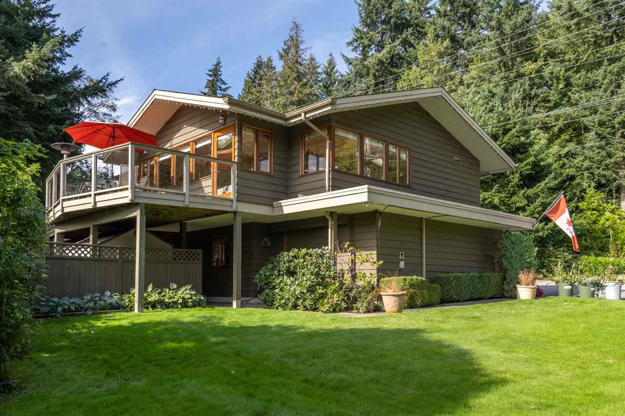Main Photo: 4409 WOODPARK ROAD in West Vancouver: Cypress Park Estates House for sale : MLS®# R2502314