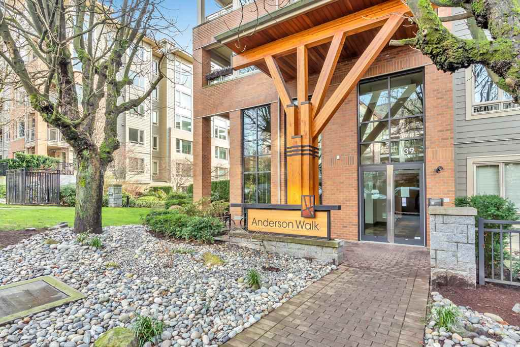 """Main Photo: 304 139 W 22ND Street in North Vancouver: Central Lonsdale Condo for sale in """"ANDERSON WALK"""" : MLS®# R2526044"""