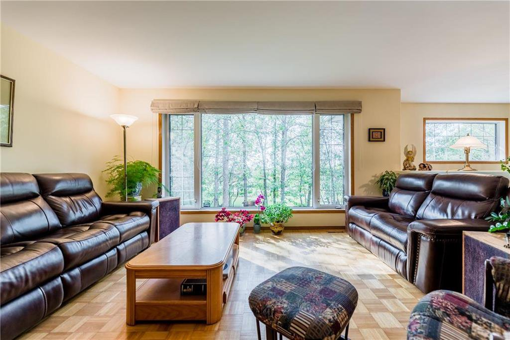 Photo 14: Photos: 119 MEADOWLARK Lane in Steinbach: R16 Residential for sale : MLS®# 202023933