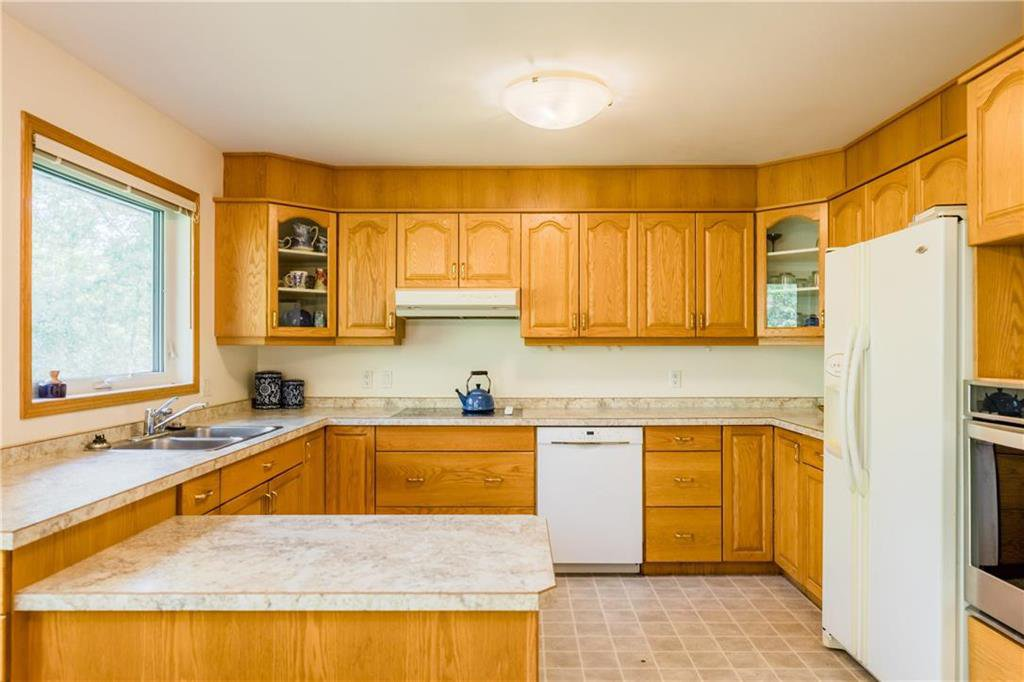 Photo 8: Photos: 119 MEADOWLARK Lane in Steinbach: R16 Residential for sale : MLS®# 202023933