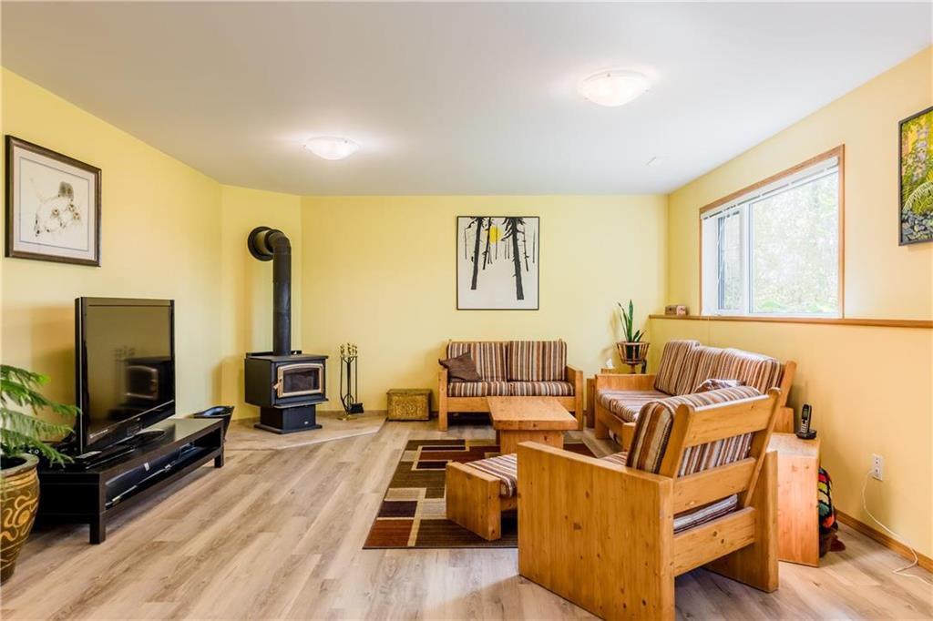 Photo 19: Photos: 119 MEADOWLARK Lane in Steinbach: R16 Residential for sale : MLS®# 202023933