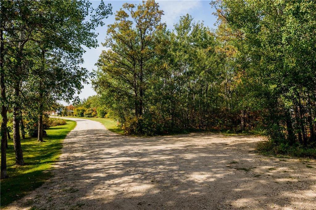 Photo 32: Photos: 119 MEADOWLARK Lane in Steinbach: R16 Residential for sale : MLS®# 202023933