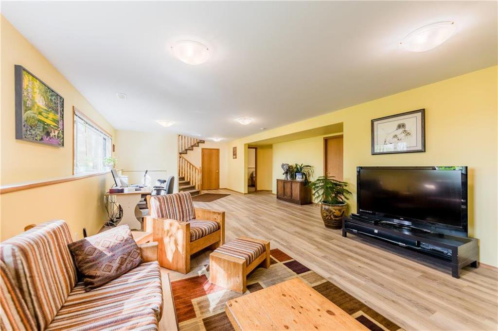 Photo 21: Photos: 119 MEADOWLARK Lane in Steinbach: R16 Residential for sale : MLS®# 202023933