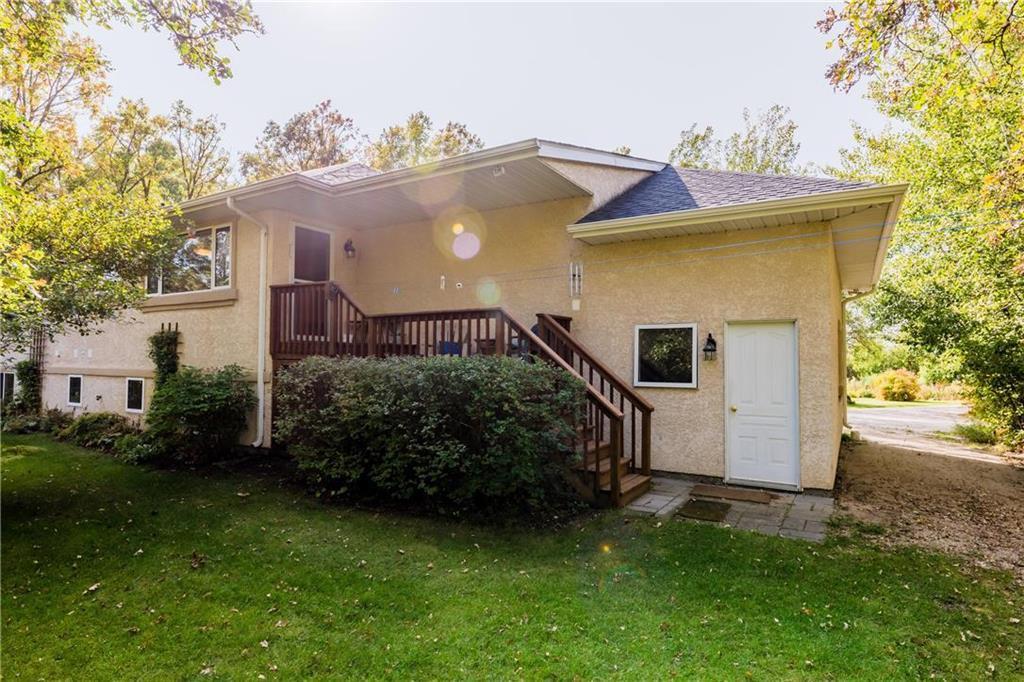 Photo 7: Photos: 119 MEADOWLARK Lane in Steinbach: R16 Residential for sale : MLS®# 202023933