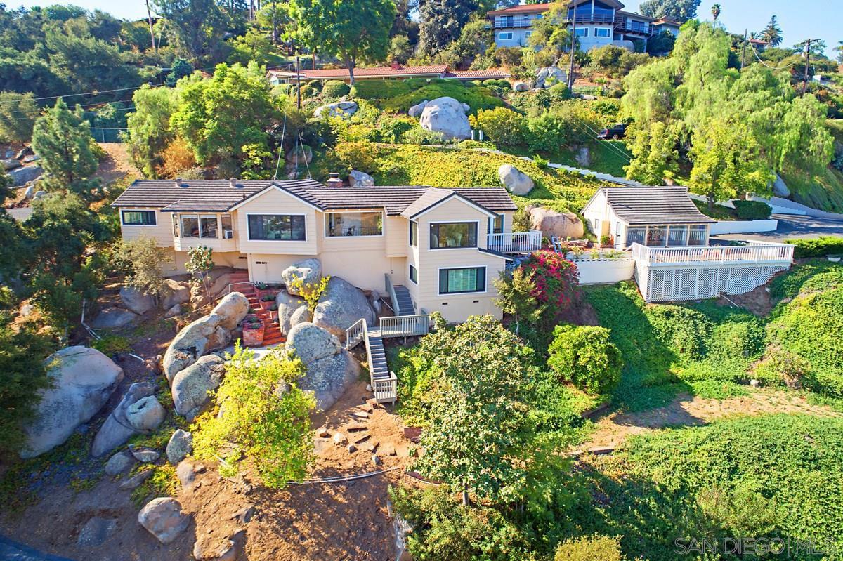 Main Photo: MOUNT HELIX House for sale : 3 bedrooms : 10064 Pandora Dr in La Mesa