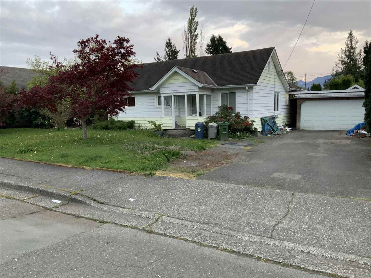 Main Photo: 46066 SECOND Avenue in Chilliwack: Chilliwack E Young-Yale House for sale : MLS®# R2518810